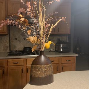 decorative vase with flowers for Sale in Bartlett, IL
