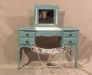 French Provincial Vanity table / writing Desk Robins egg blue for Sale in Long Beach, CA