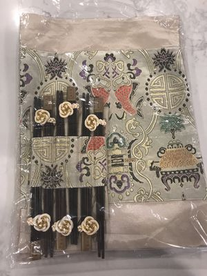 Embroidered dining mats w/ chopsticks for Sale in Pasadena, CA