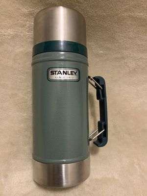Stanley Classic Stainless Thermos Vacuum Flask/Bottle 16oz Green Good Condition for Sale in Los Angeles, CA
