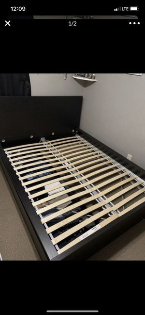 Queen bed frame for Sale in Mansfield, TX