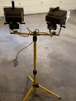 Work Light withTelescoping Tripod Stand for Sale in Sandy,  UT