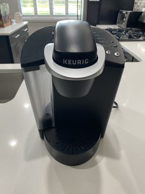 Excellent condition 1 Keurig 1 Cuisinart coffee makers $65 for both for Sale in Odessa, FL