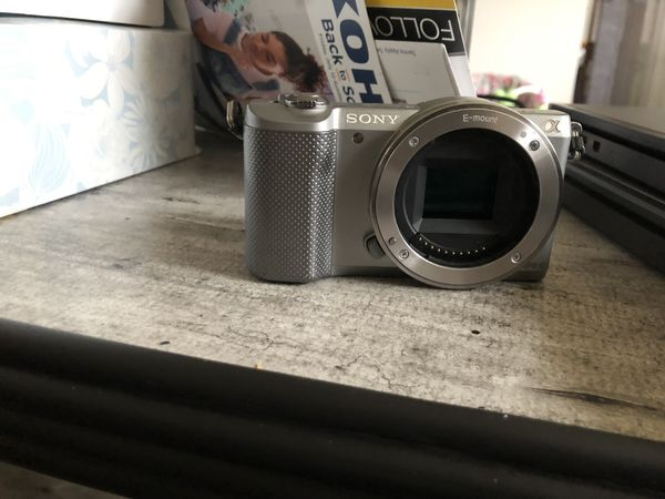 Sony alpha a5000 mirrorless camera body