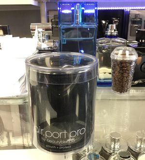 Air port Pro by beauty blender for Sale in Chicago, IL