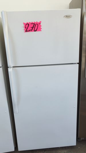 Whirlpool small Refrigerator for Sale in Long Beach, CA
