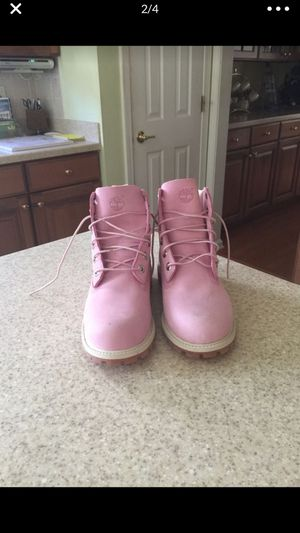 Baby pink timberlands for Sale in Lakewood Township, NJ