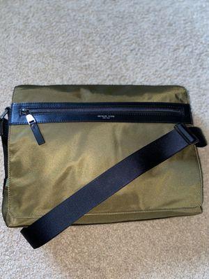 Michael Kors Messenger Bag for Sale in Orlando, FL