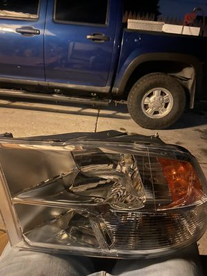 2016 ram 1500 headlight driver side for Sale in Northlake, IL