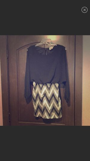 Black and chevron patterned dress size small for Sale in Kearney, NE