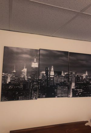 New York skyline canvas picture for Sale in Williamsport, PA