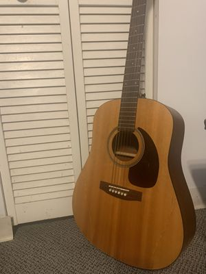 Seagull M6 Spruce Acoustic Guitar w/ Fender bag for Sale in Chicago, IL
