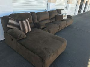 Beautiful sectional sofa with end reciners for Sale in Phoenix, AZ