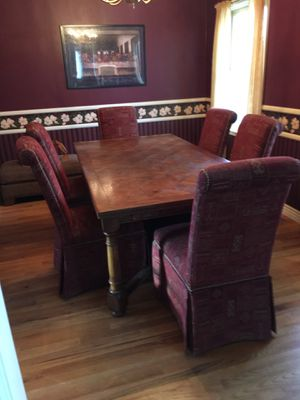 """Like new solid oak 82"""" by 44"""" dining table with 2 25"""" leafs and 6 chairs for Sale in Montrose, CO"""