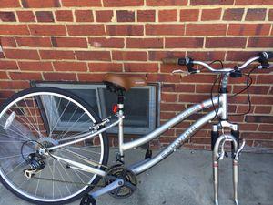 Schwinn 700c Ladies Bike for Sale in Falls Church, VA