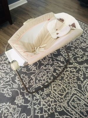 Baby bed and swing for Sale in Nashville, TN