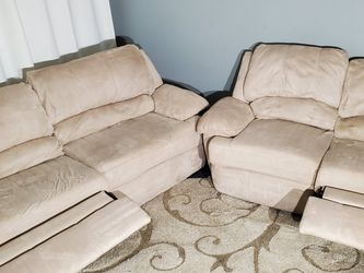 Microfiber Reclining Couch & Loveseat Set DELIVERY Available for Sale in Clinton Township,  MI