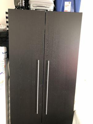 Tall/wide closet for Sale in Miami, FL