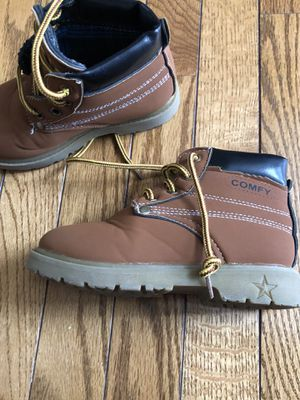Toddler boots size 10/11 for Sale in Ashburn, VA