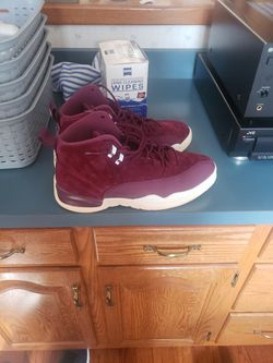 Jordan 12 Bordeaux Size 12 men's used no box will have replacement box for Sale in Milton,  PA