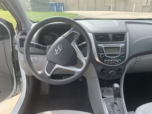 2012 HYUNDAI ACCENT SE Hatchback- CLEAN TITLE for Sale in Houston, TX