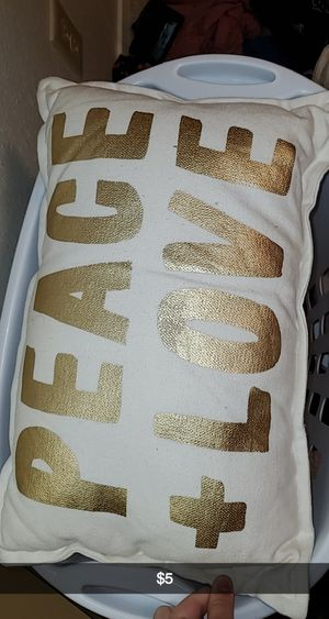Pillows for Sale in San Angelo, TX