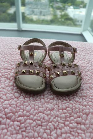 Baby girl shoes size 5 for Sale in Miami, FL