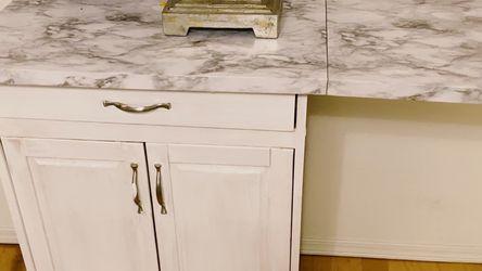 Kitchen Nook On Wheels for Sale in Clovis,  CA