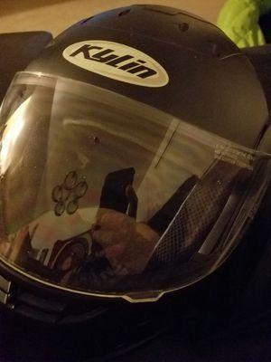 Medium helmet for Sale in Sanger, CA