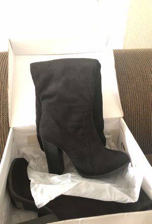 Size 7 1/2 black boots for Sale in Las Vegas, NV