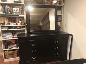 Used Acme Furniture Louis Philippe 6 piece Black Bedroom Set for Sale in Long Beach, CA
