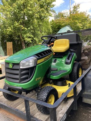 John Deere Lawn Tractor & Trailer for Sale in White Plains, NY