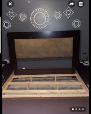 King size bed frame 100 % wood for Sale in Henderson, NV
