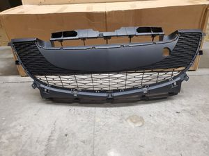2011-2012 Mazda 3 2.0 Front Lower Bumper Grill Assembly for Sale in Chatsworth, CA