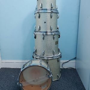 Pearl Masters Maple Shell With Rack for Sale in Baldwin, NY