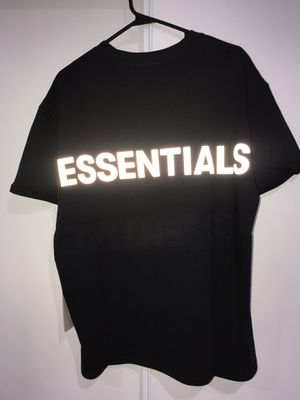 DS Fear of God Essentials Black 3M Reflective T Shirt Size Small for Sale in Garden Grove, CA