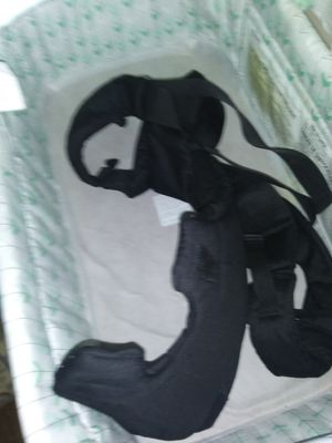 Baby Crib With Baby Carrier for Sale in Columbus, OH