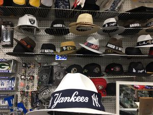 Straw hats it's getting hot next couple of days 109' for Sale in Fresno, CA