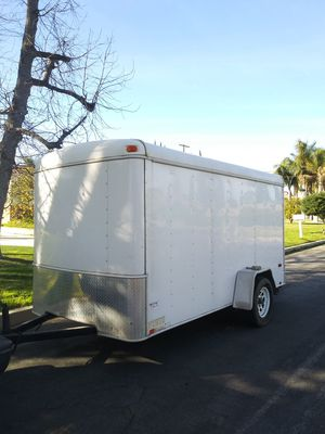 TRAILER BOX COMES WITH RAMP AND SIDE DOOR for Sale in Los Angeles, CA