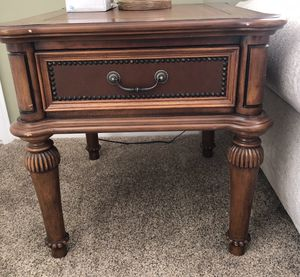 Very Nice Brown End Table with design! for Sale in West Jordan, UT