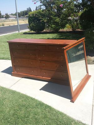 Long 9 Drawer Dresser With Mirror for Sale in Clovis, CA