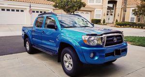 Very Nice 2005 Toyota Tacoma 4WDWheels Cool for Sale in Warren, MI