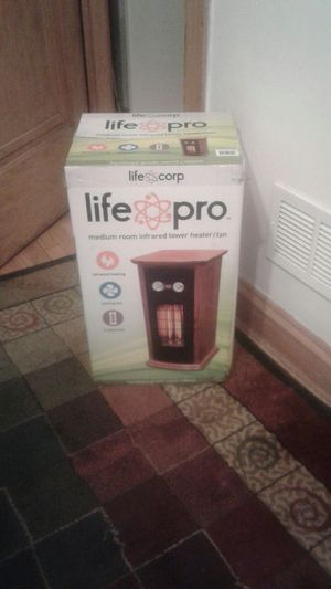 Life pro tower heater it has cooling fan for Sale in Summit, IL