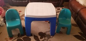 Kids table and chairs for Sale in Aurora, IL