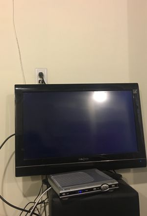 36 inch insignia Tv works great nothing wrong with it but no remote for Sale in Grosse Pointe Park, MI