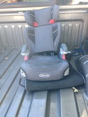 Free stuff. Cat carrier and car seat for Sale in Hurst, TX