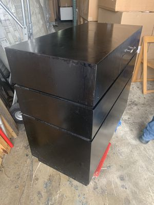I have 5 drawers for beauty salon for Sale in Miami, FL