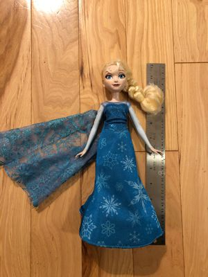 "LIKE NEW 12"" Light-up Musical Frozen Elsa Doll - Flashing snowflakes, sings, but the most important part is the on/off switch. (You're welcome.) for Sale in Renton, WA"