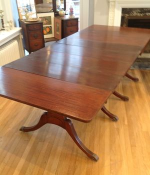 Antique drop leaf table for Sale in Cleveland, OH