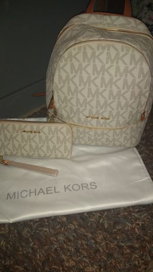 Michael kors back pack.. for Sale in Fresno, CA